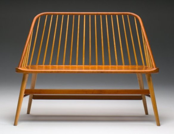 4-bowback-bench-by-becker_0