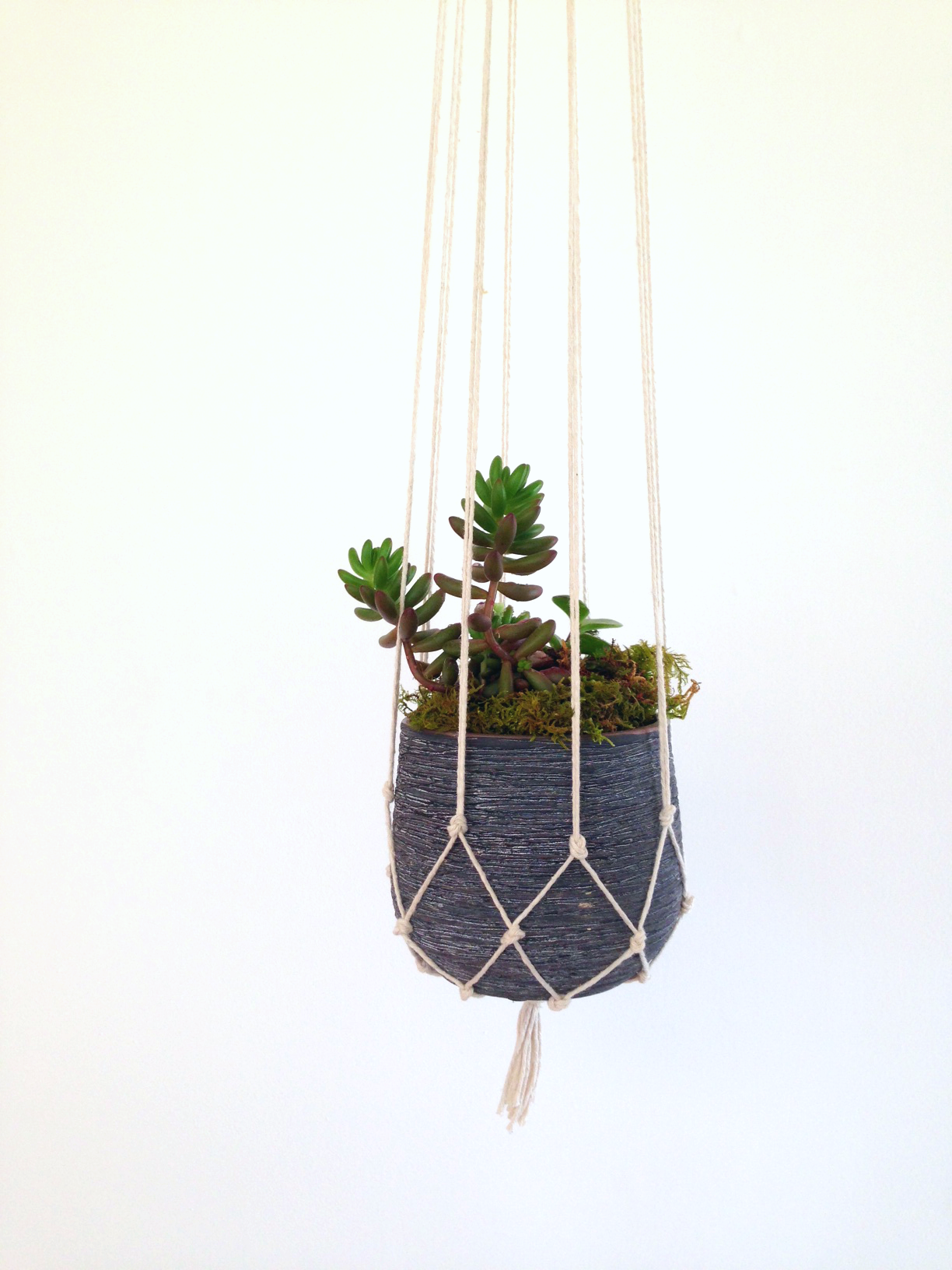 Simple Diy Macrame Necklace: Easy DIY Macrame Plant Holder